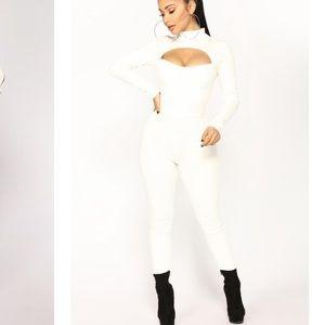 Brandnew fashion nova white jumpsuit